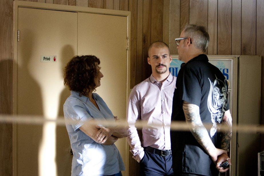 Pierrette Robitaille et Marc-André Grondin discutent avec le... (Photo: Marco Campanozzi, La Presse)