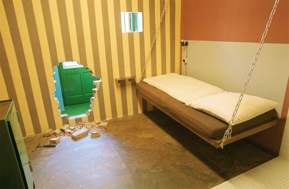 des chambres d 39 h tel inusit es. Black Bedroom Furniture Sets. Home Design Ideas