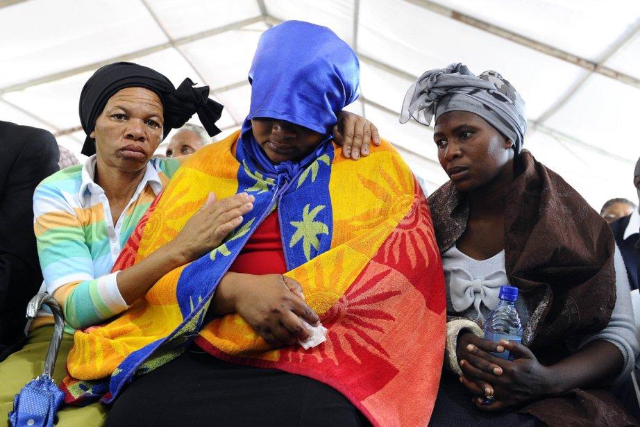 L'Afrique du Sud a rendu un vibrant hommage... (PHOTO STEPHANE DE SAKUTIN, AFP)
