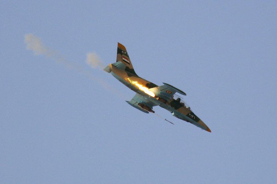 Attaque de l'armée syrienne... (PHOTO GORAN TOMASEVIC, REUTERS)