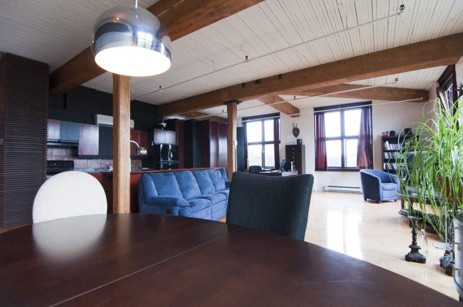 un loft dans le coloniale. Black Bedroom Furniture Sets. Home Design Ideas