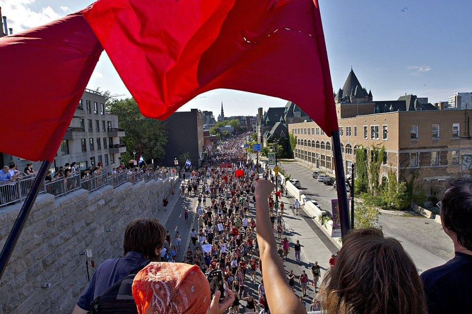 Des milliers de personnes se sont rassemblées le... (Photo: Patrick Sanfaçon, La Presse)