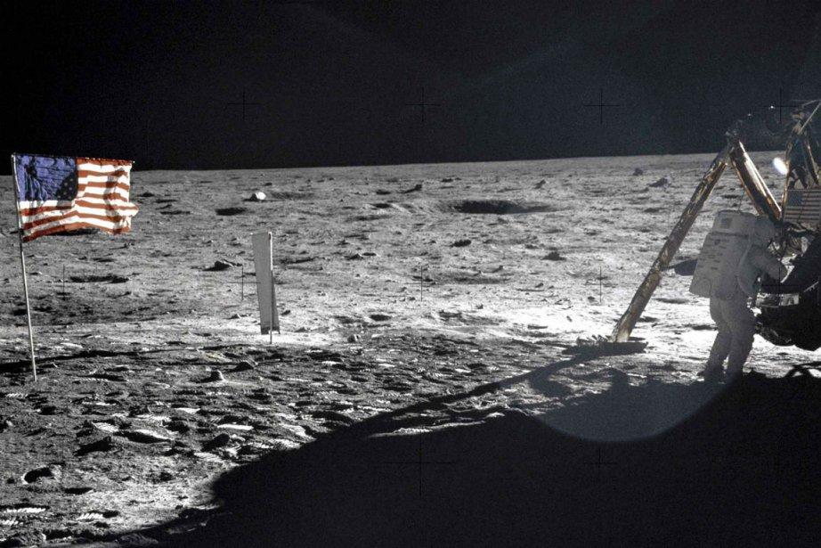 Neil Armstrong a été le premier homme à...