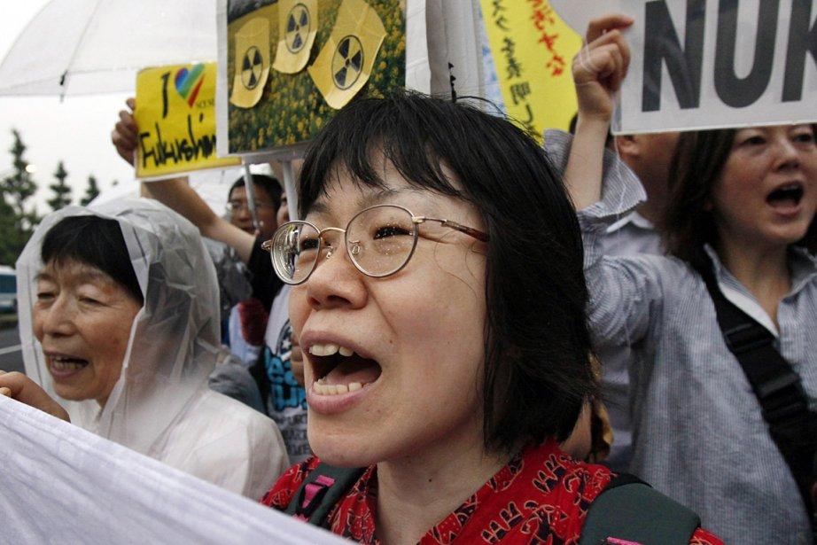 Depuis l'accident nucléaire de Fukushima, des milliers et... (Photo: archives AP)