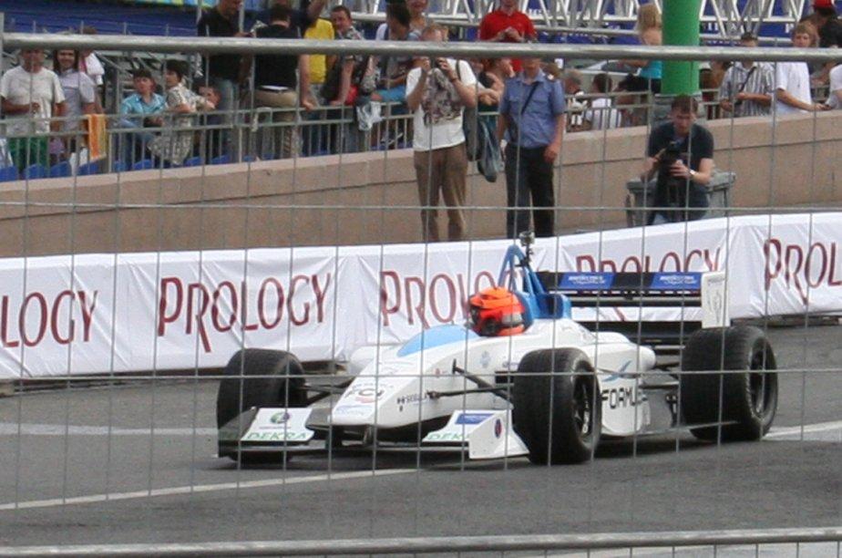 La monoplace électrique du Championnat de Formule E... (Photo Wikipedia Commons)