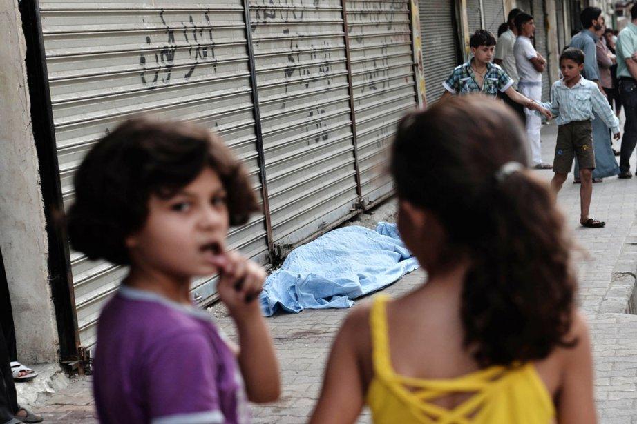 À Alep, deuxième ville du pays où se... (PHOTO ARIS MESSINIS, AFP)