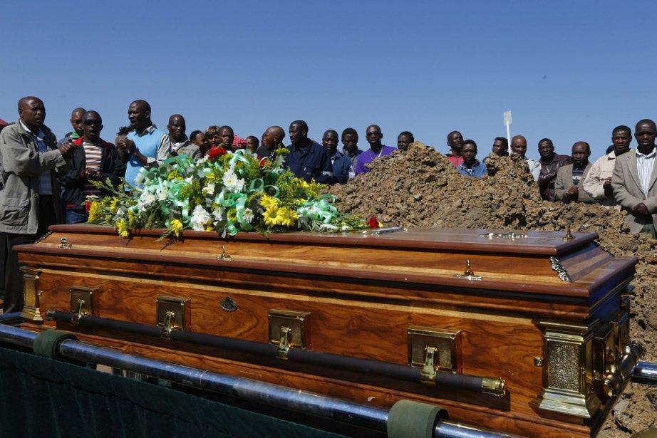 Les funérailles de 24 victimes de la fusillade... (Photo : Mike Hutchings, Reuters)