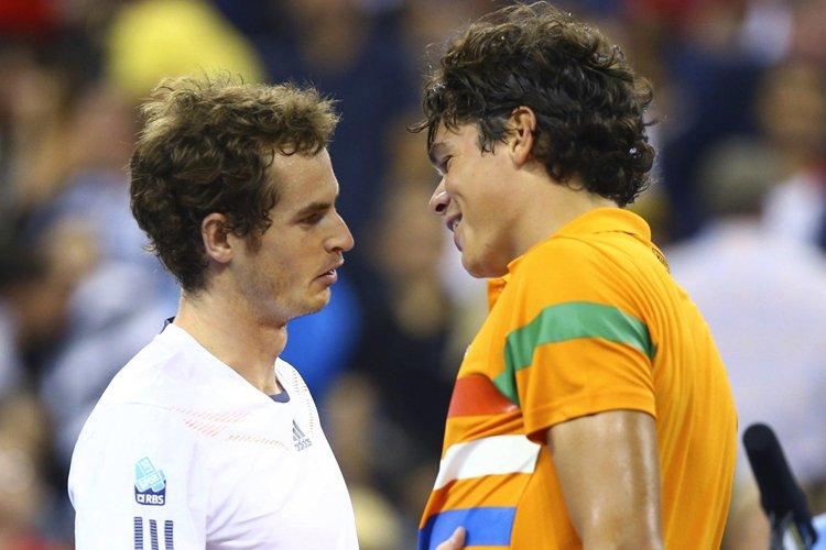 Andy Murray et Milos Raonic se sont serré... (Photo: Reuters)