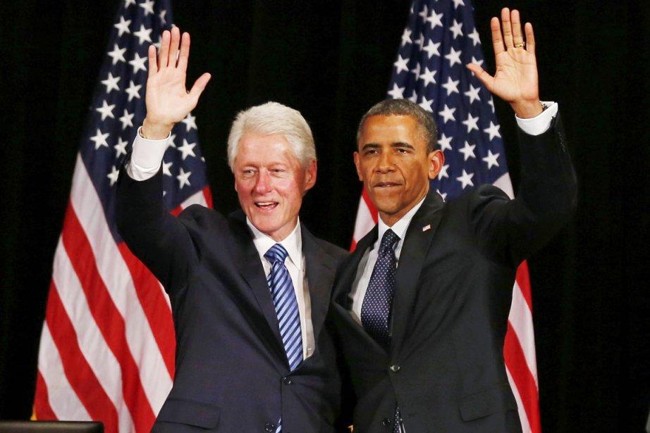 L'invitation de Bill Clinton (à gauche) à titre... (PHOTO LARRY DOWNING, ARCHIVES REUTERS)