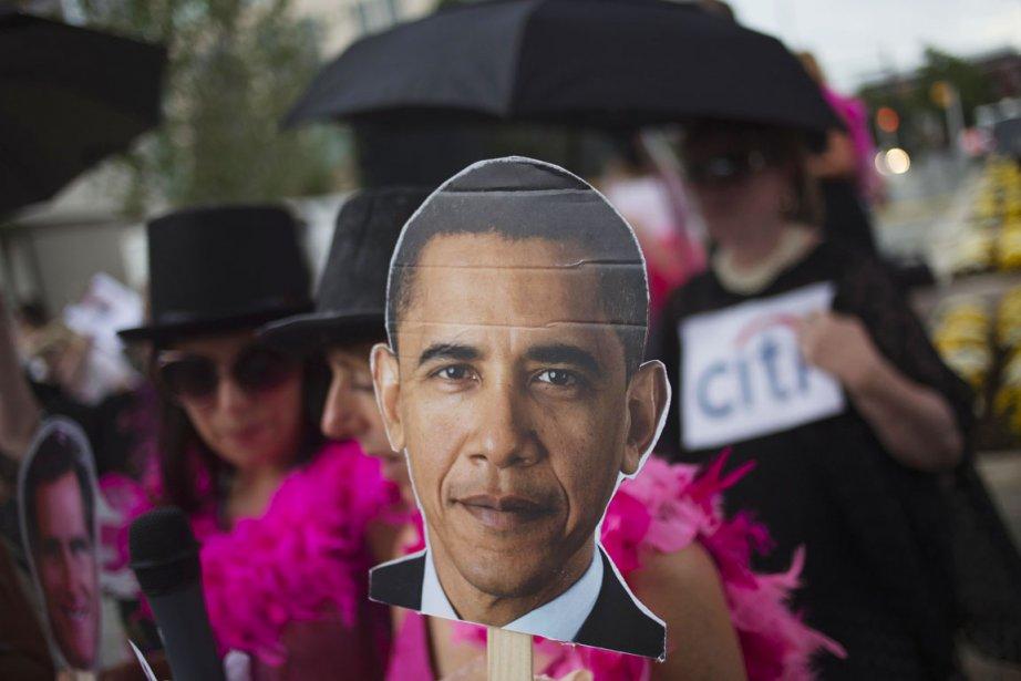 Des activistes de CodePink, un groupe anti-guerre, composé... (PHOTO ADREES LATIF, REUTERS)