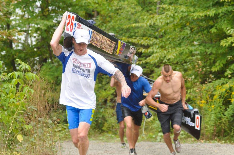 La bataille pour la deuxième place de la seconde épreuve était particulièrement serrée dimanche. Les Américains Josh Sheldon et Ryan Halstead (canot #26) ont finalement terminé devant l'embarcation de Shane Lynch et Matt Rudnitsky (canot #0). | 4 septembre 2012