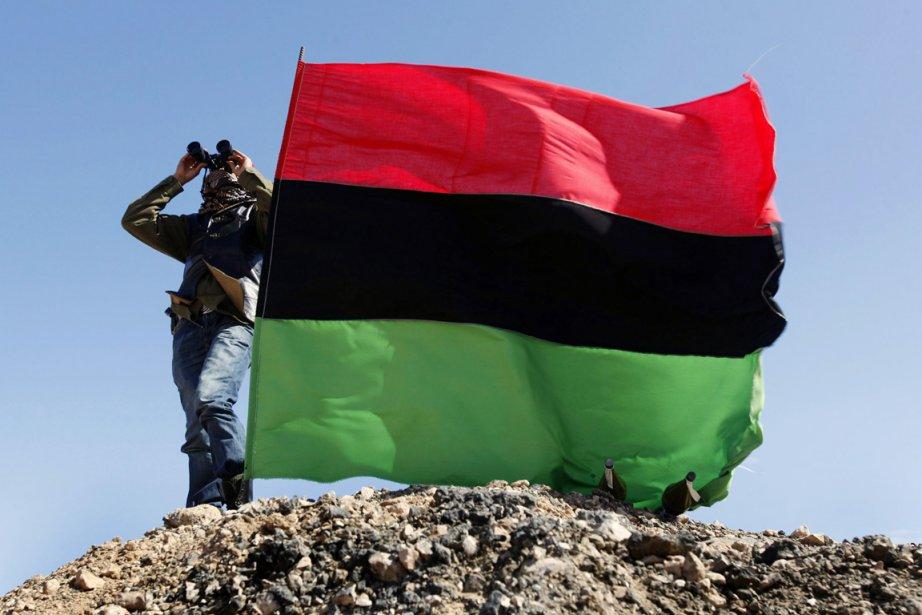 Selon le rapport de HRW, plusieurs membres du... (PHOTO HUSSEIN MALLA, ARCHIVES AP)