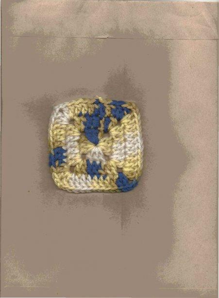Denise Archambault, de Candiac, crochète depuis longtemps. Voici un petit carré qui deviendra une couverture. | 7 septembre 2012