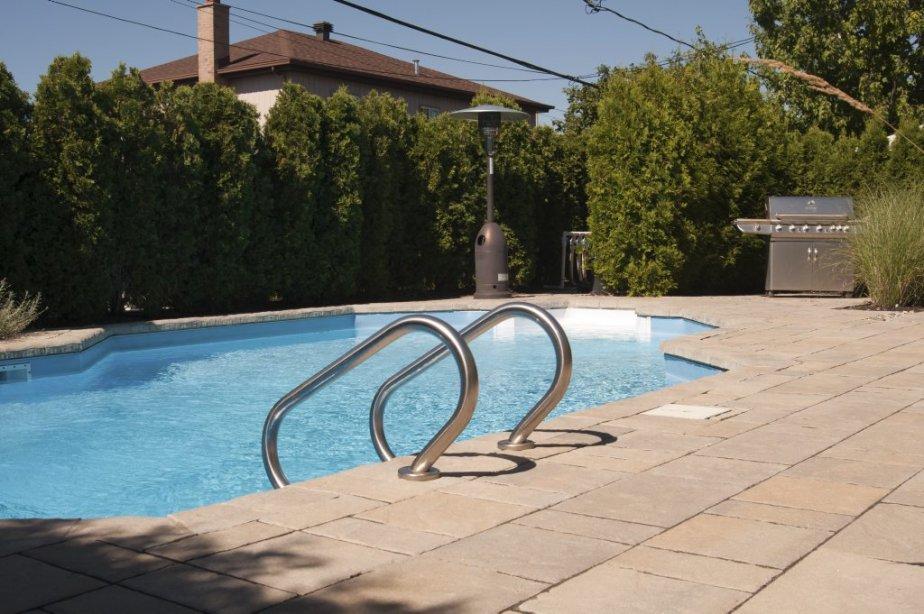 Les proprios ont installé un chauffe-terrasse pour profiiter de la... | 2012-09-07 00:00:00.000