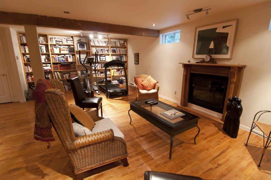 une maison de banlieue plut t originale laval val rie. Black Bedroom Furniture Sets. Home Design Ideas