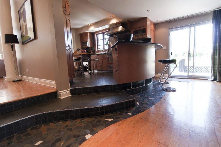 Une maison de banlieue plut t originale - Plancher ardoise cuisine ...
