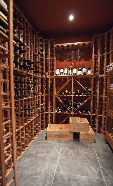 La cave a une capacité d'environ 800 bouteilles. | 7 septembre 2012
