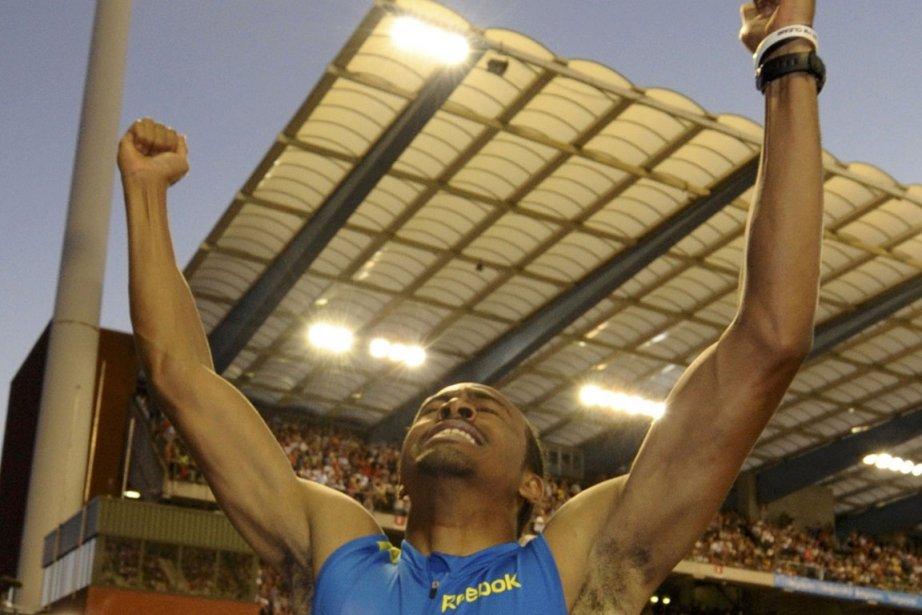 Aries Merritt a dominé ses adversaires tout au... (Photo : Eric Vidal, Reuters)