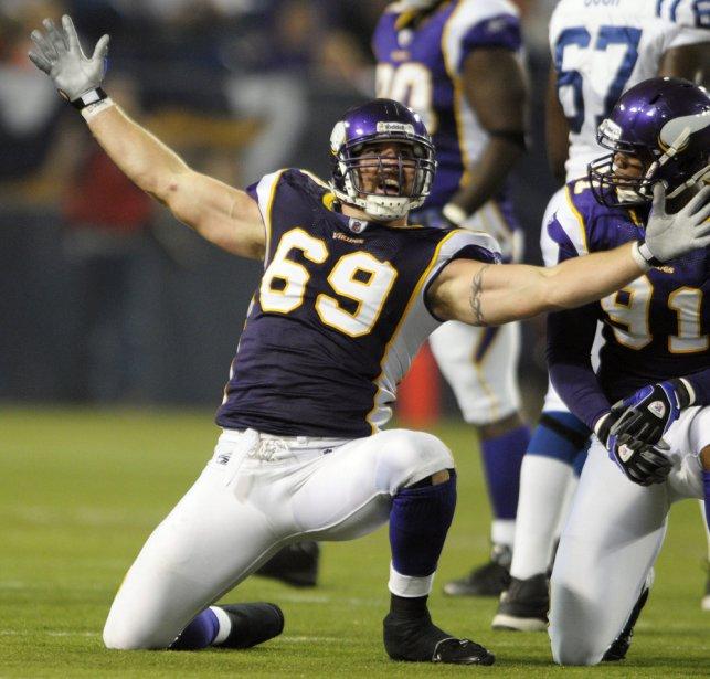 13- JARED ALLEN (34), ailier défensif (Vikings) - Il vient probablement de disputer sa meilleure saison. | 10 septembre 2012