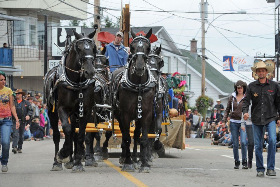 C'est le plus grand défilé entièrement à traction animale au Canada. | 10 septembre 2012