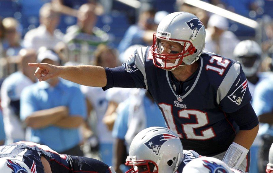 2- TOM BRADY (1), quart-arrière (Patriots) - Âgé de 35 ans et derrière une ligne offensive en transition, sera-t-il aussi productif? | 10 septembre 2012