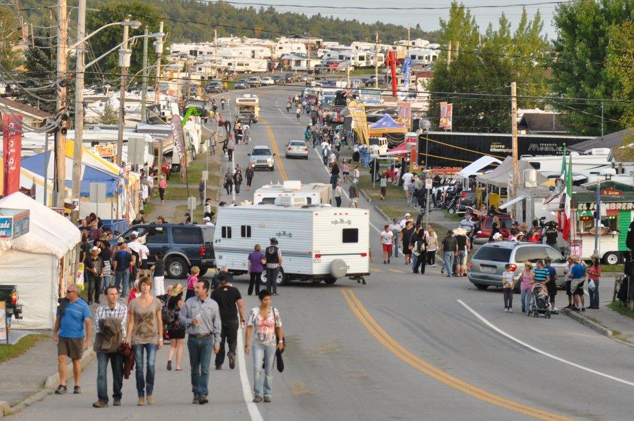 Les véhicules récréatifs ont envahi la ville. | 10 septembre 2012