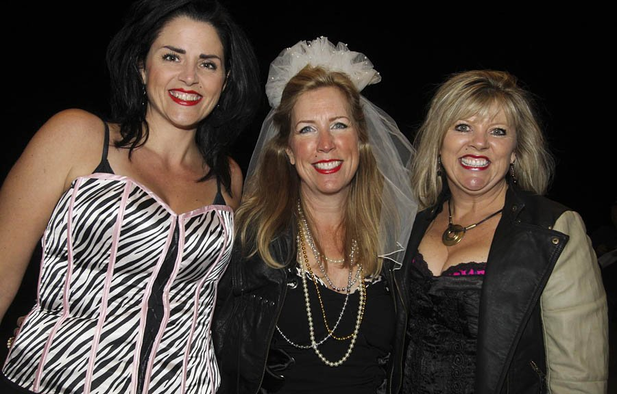 Paula Panetta, Nancy Groom et Mary Cavanagh étaient présente pour le passage de Madonna à Ottawa | 10 septembre 2012