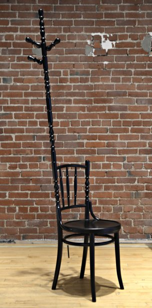 Chaise-portemanteau MOOOI, 980$. Latitude Nord, 4398 St-Laurent. | 13 septembre 2012