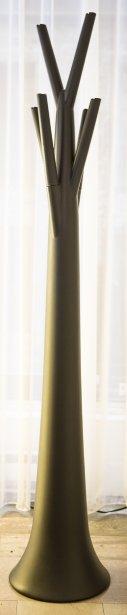 Patère le Tree Design de Mario Mazzer pour Bonaldo. En polyéthylène, 349$ pour la version standard. Disponible en jaune, orange, rouge, vert, noir et blanc. Bonaldo, 2 rue le Royer, Vieux-Montréal. | 13 septembre 2012