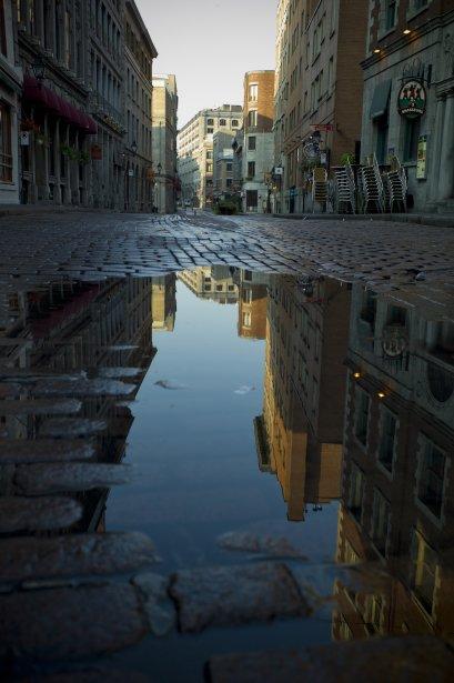 Non, ce n'est ni la Corse ni la Grève: nous sommes rue Saint-Paul, à Montréal. | 13 septembre 2012
