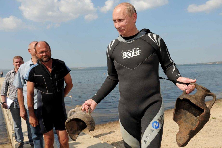 L'année dernière, la télévision montrait Vladimir Poutine remontant... (Photo: AFP)