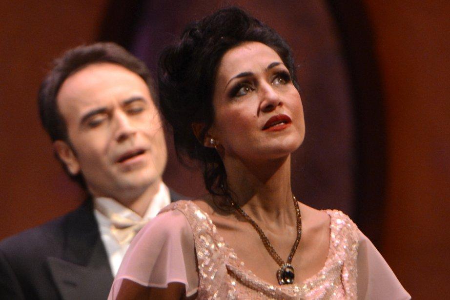 Les protagonistes deLa Traviata:  Myrtò Papatanasiu et... (Photo : Bernard Brault, La Presse)