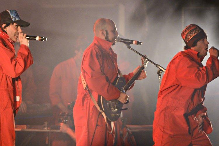 Le groupe Loco Locass, lors de son spectacle... (Photo: Bernard Brault, archives La Presse)