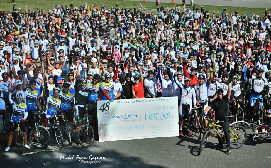 1000 cyclistes ont appuyé la fondation Fais-Un-Voeu....
