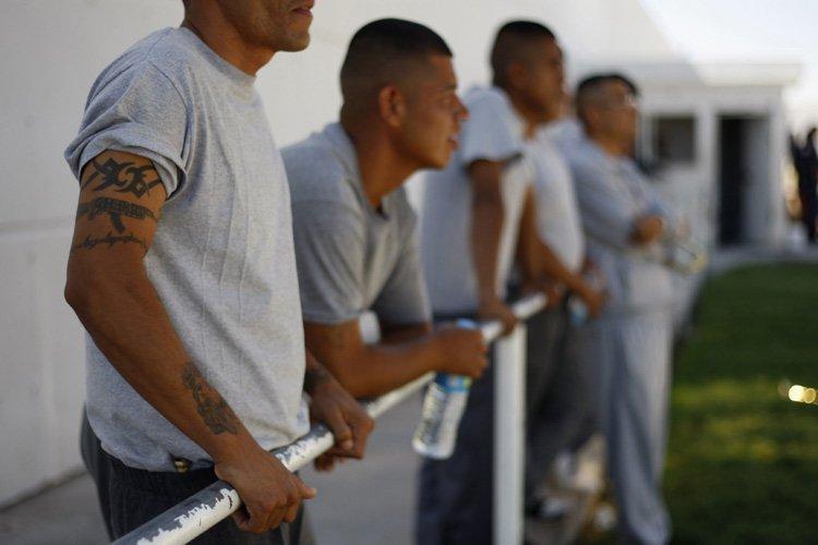 Cent-trente deux prisonniers se sont échappés lundi par un... (Archives Reuters)