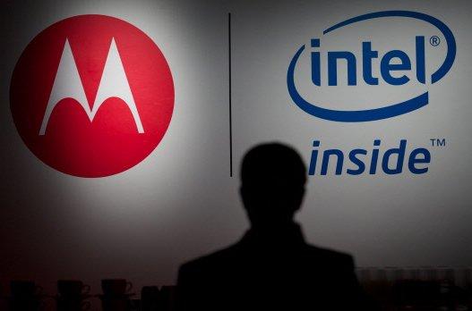 Motorola Mobility a présenté mardi à Londres un nouveau téléphone multimédia...