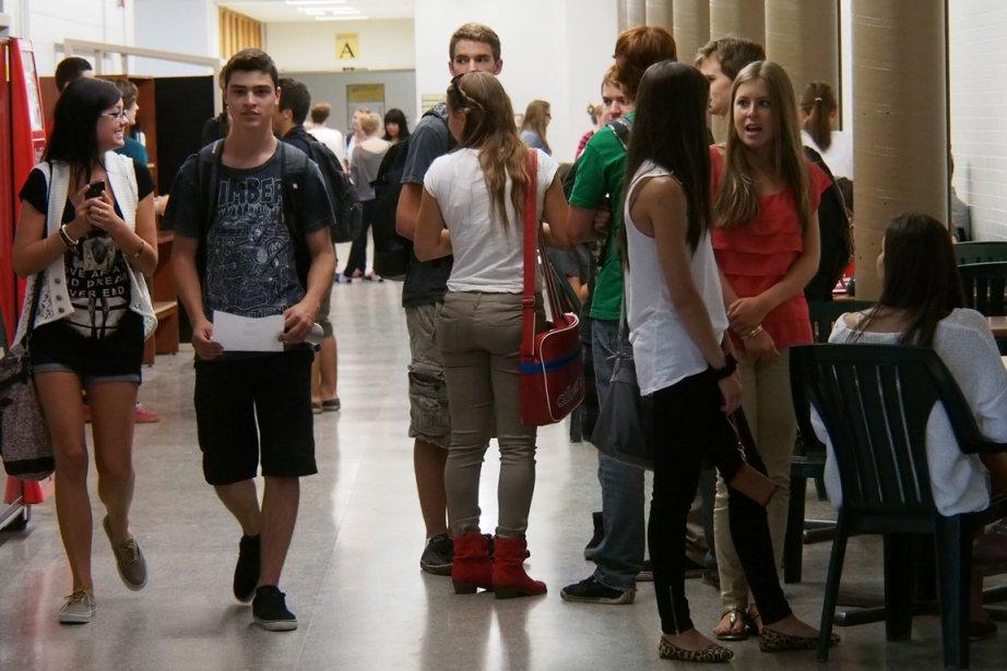 Moins de 3000 élèves étrangers étudient dans les... (Photo archives La Presse)