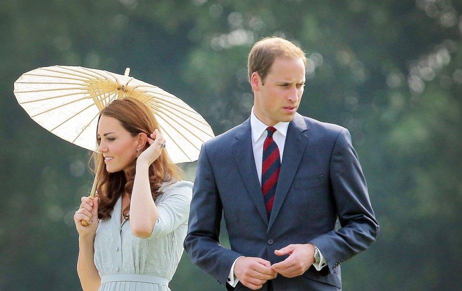 Kate et William se sont rendus au mémorial de Kranji (Kranji Commonwealth War Memorial) rendant hommage aux morts des deux guerres mondiales, à Singapour, le 13 septembre. | 19 septembre 2012