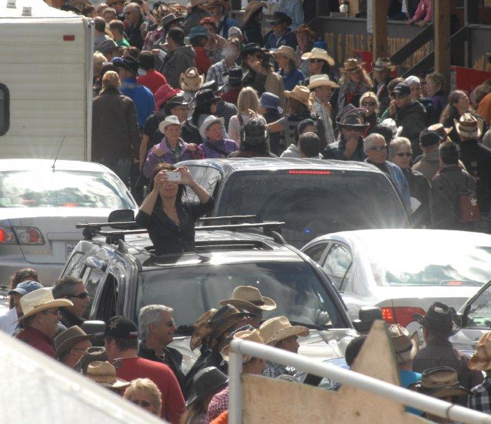 Tant qu'à être prise dans les embouteillages autant prendre une photo... | 20 septembre 2012