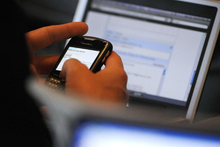 lLutilisateur moyen de Twitter aurait 68% plus de... (Photo Phil McCarten, archives Reuters)