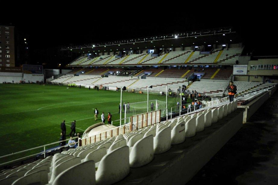 Une panne de projecteurs au stade du Rayo... (Photo Pedro Armestre, Agence France-Presse)