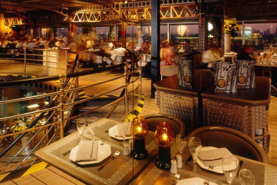 L'ex-mobilier du restaurant Altitude 95 est mis aux... (Photo RelaxNews)