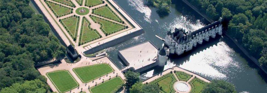 Vue en hauteur du magnifique château de Chenonceau (Chenonceau.com)