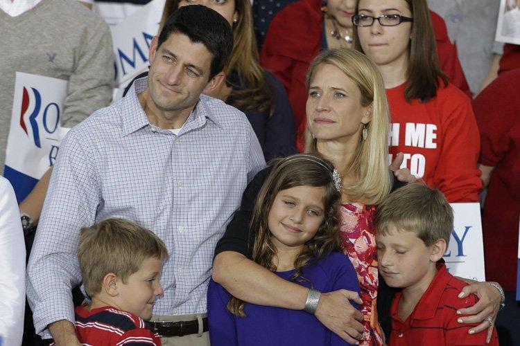 Paul Ryan avec sa femme, ses fils et... (Photo: AP)