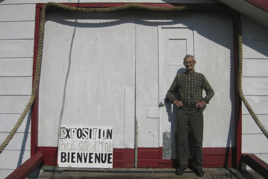 Alexis Tremblay, âgé de 90 ans, devant la... (Photo: Mélanie Roy, collaboration spéciale)