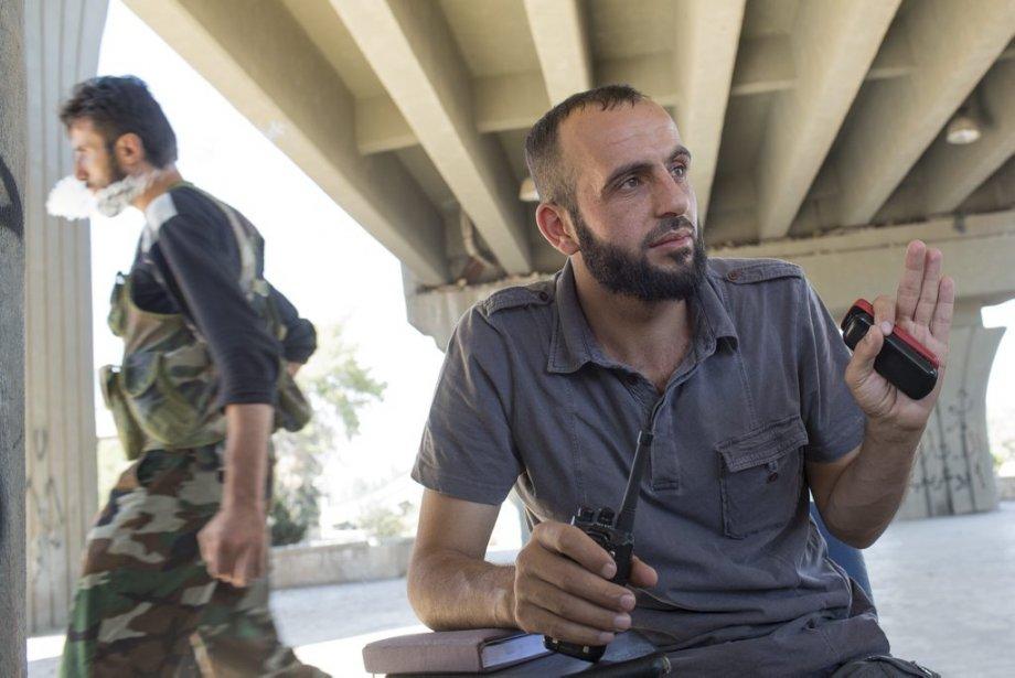 Ville d'Alep, en Syrie. Le commandant Haji Mareaa contrôle l'ensemble des groupes de l'Armée syrienne libre dans la ville. | 27 septembre 2012