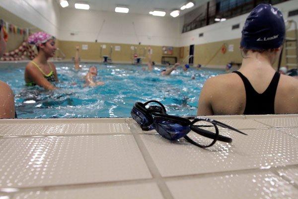 La piscine du centre sportif d borde martin comtois for Cegep jonquiere piscine