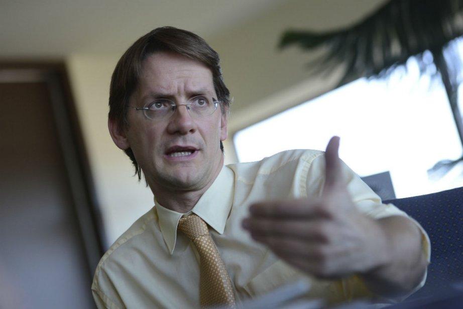 Partisan de la «mobilité durable», le ministre Sylvain... (Photo Patrice Laroche, Le Soleil)