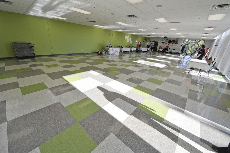 Érigé au coût de 10?m?$, le Centre Meredith a été inauguré samedi à Chelsea. Il comprend entre autres un aréna de 250 places, une salle de banquet, un centre de conditionnement physique et une halte-garderie. | 1 octobre 2012