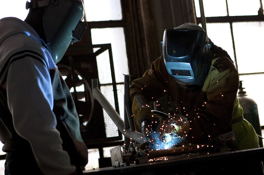 Le secteur manufacturier a été le fer de... (Photo archives Bloomberg)